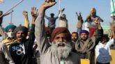 কৃষি আইন প্রত্যাহার না করলে টিকা না নেয়ার হুমকি ভারতীয় কৃষকদের