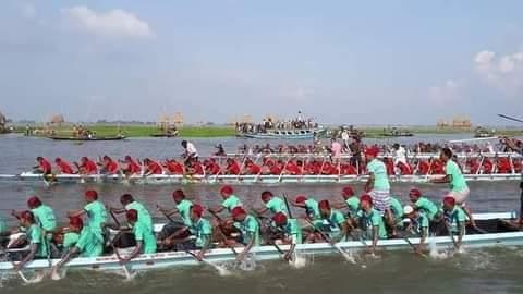 টাঙ্গাইলের বাসুলিয়ায় আবহমান বাঙালি ঐতিহ্য নৌকা বাইচ প্রতিযোগিতা অনুষ্ঠিত